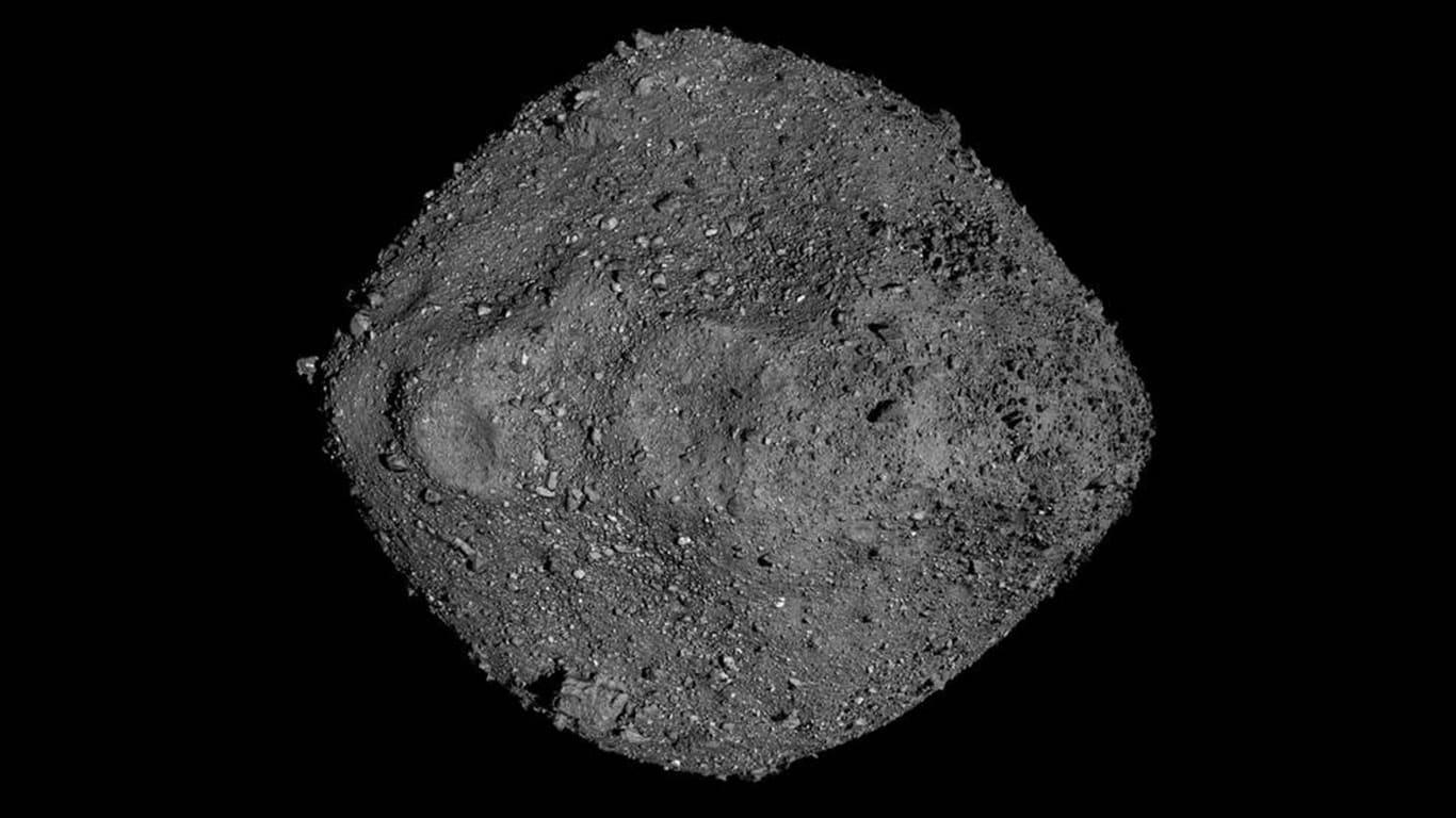 شاهد هبوط مركبة فضاء ناسا بنجاح على كويكب يبعد 200 مليون ميل عن الأرض