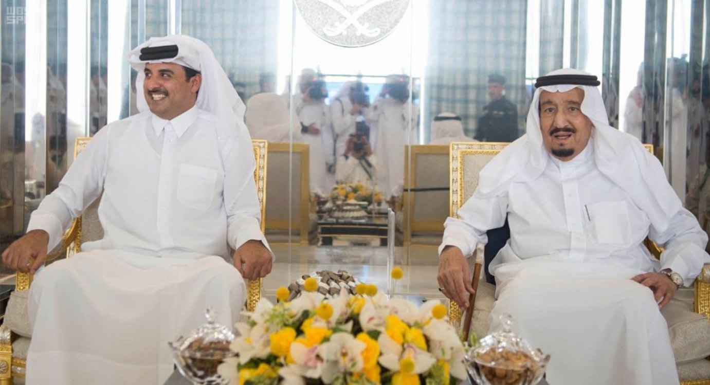 أمير قطر يقوم بزيارة قصيرة للسعودية
