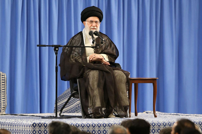 خامنئي: إقامة بعض دول المنطقة علاقات مع إسرائيل لن تحل مشكلتها