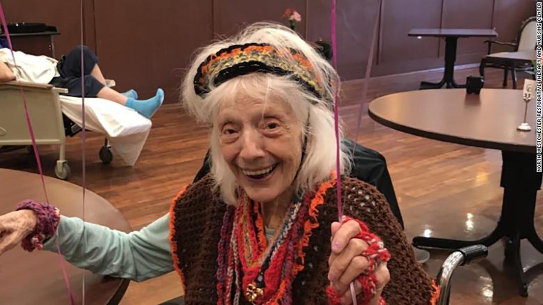 عمرها 102 عام..معمرة أمريكية عاصرت جائحة الإنفلونزا الإسبانية تهزم فيروس كورونا للمرة الثانية