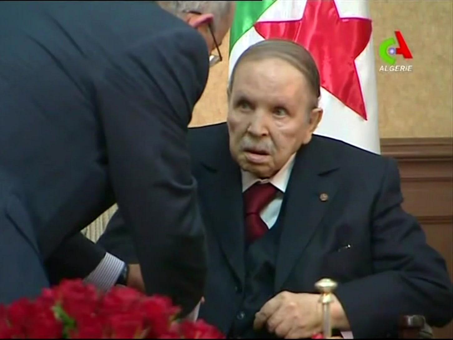 عبد العزيز بوتفليقة يبلغ المجلس الدستوري بإنهاء ولايته الرئاسية