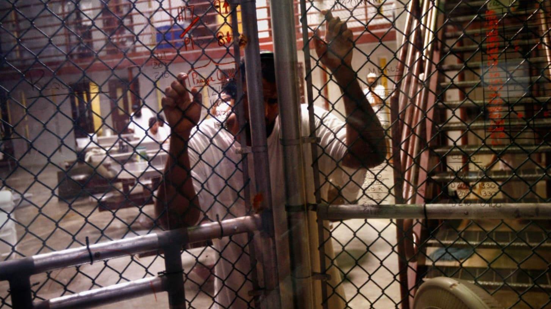 """نقل عشرات المعتقلين من """"غوانتانامو"""" واليمنيون يشكلون عقبة لإدارة أوباما"""