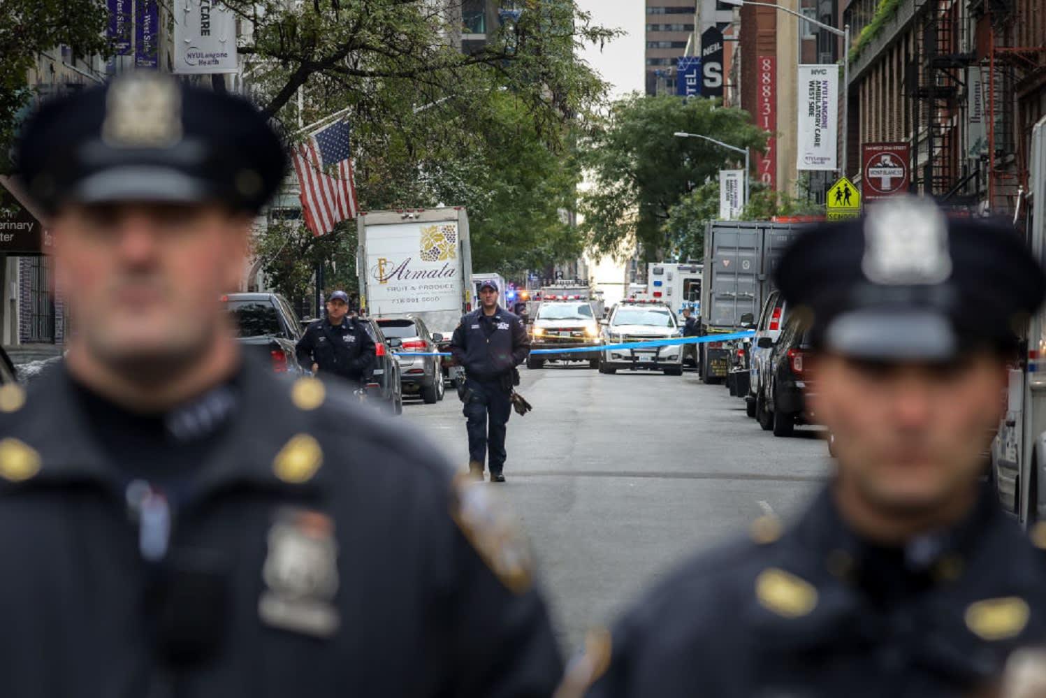 """السلطات الفيدرالية تعتقل رجلا على صلة بـ""""الطرود المشبوهة"""" في أمريكا"""