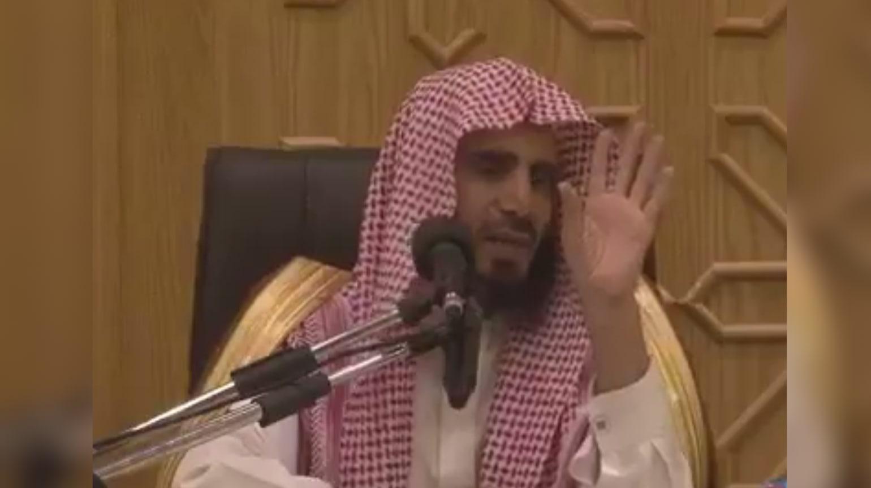 """السعودية.. منع داعية وصف المرأة بأنها بـ""""ربع عقل"""" من الإمامة بسبب """"إثارته للرأي العام"""""""