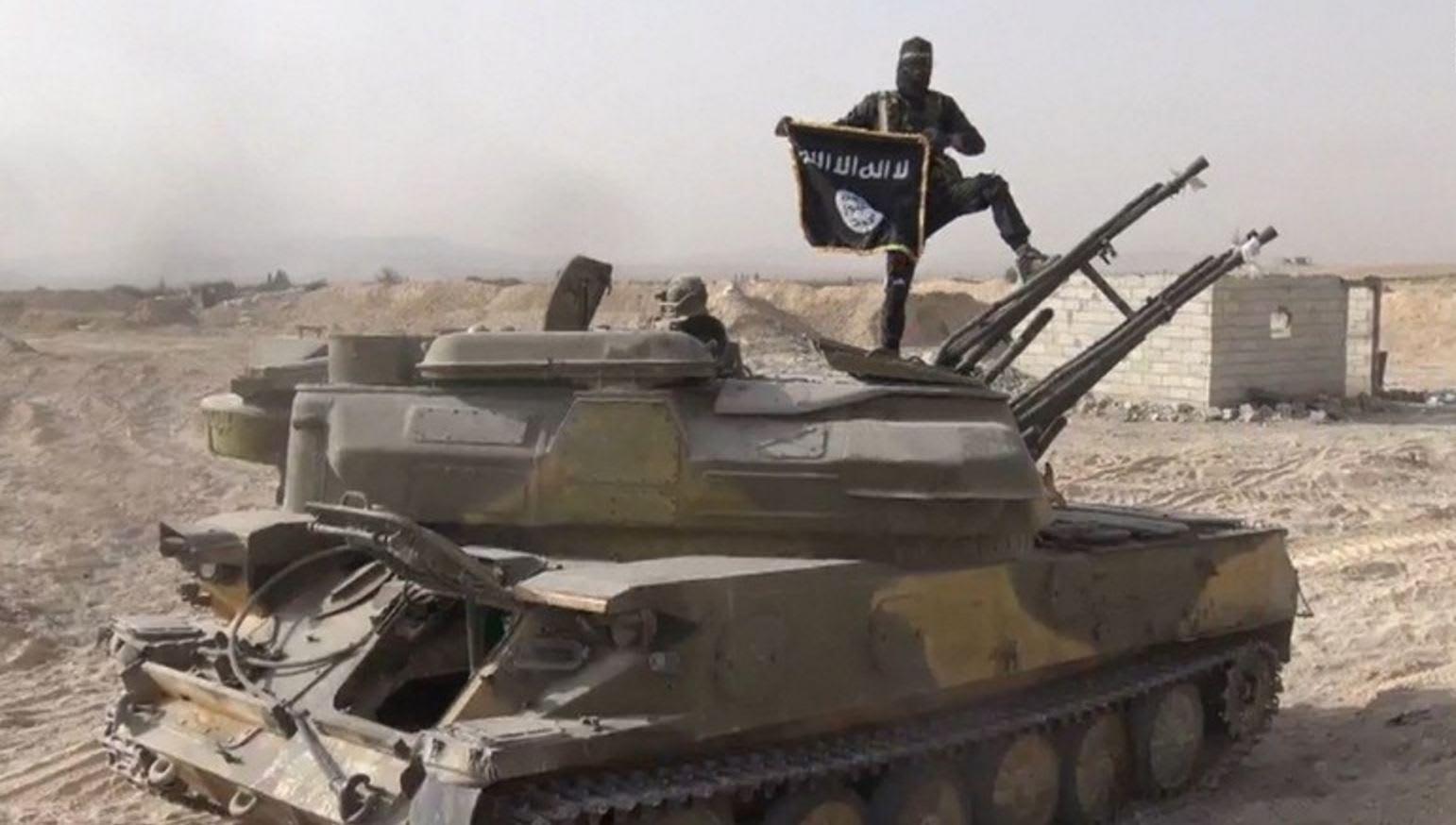 """داعش ينشر """"الكلمات الأخيرة"""" لمنفذي هجمات باريس.. ومحلل CNN: التنظيم يخطط ربما لاستهداف بريطانيا"""