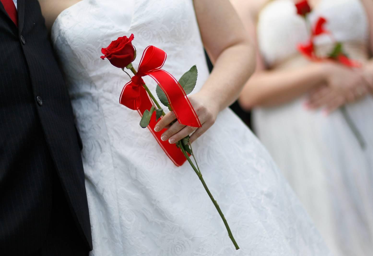 مطالب بسحب مذكرة تمنع على التونسيات الزواج من غير المسلمين