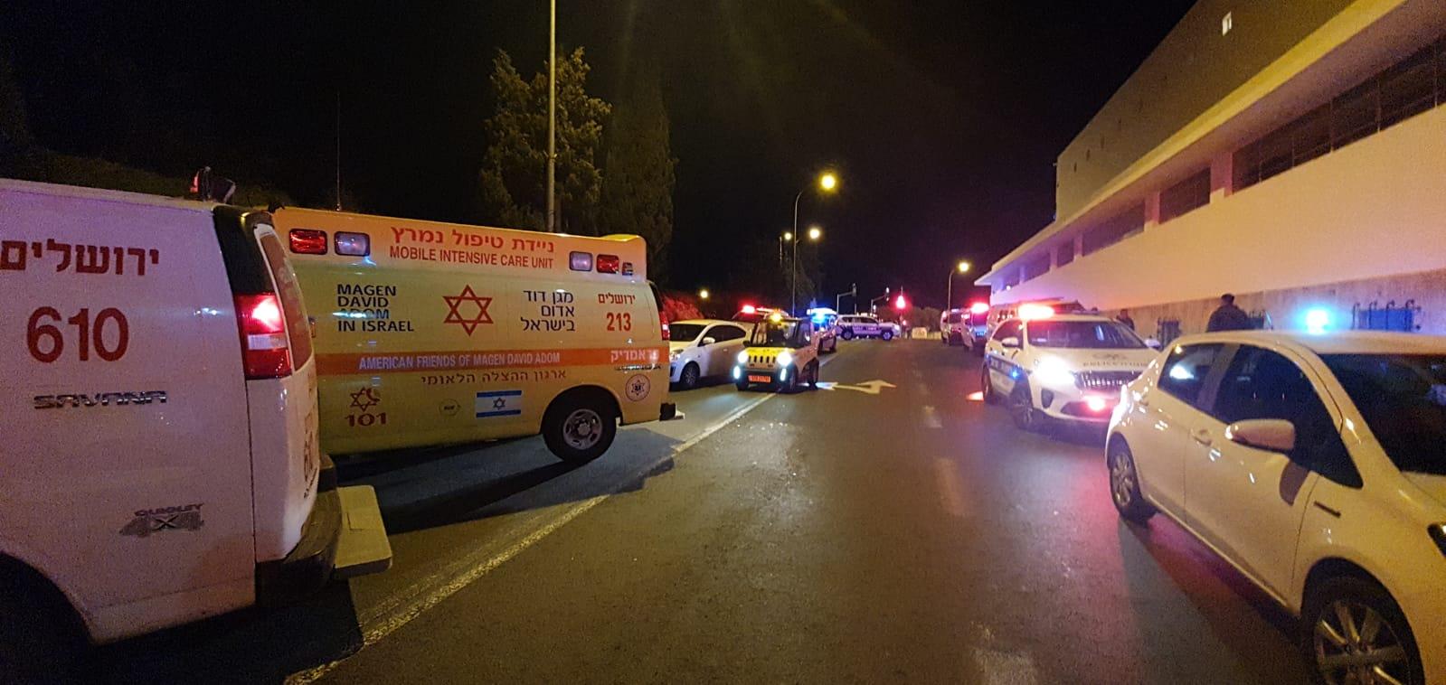 إصابة 10 على الأقل في حادث دهس بسيارة في القدس