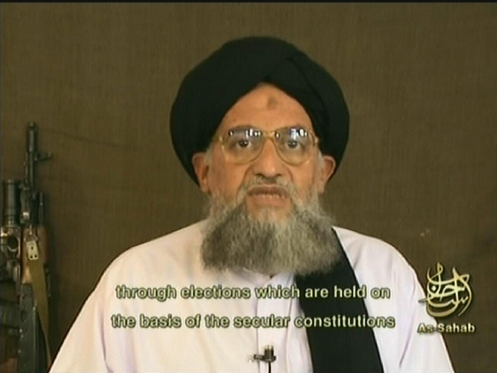 """الظواهري يناشد """"المجاهدين"""" وقف التقاتل والتكفير بسوريا"""