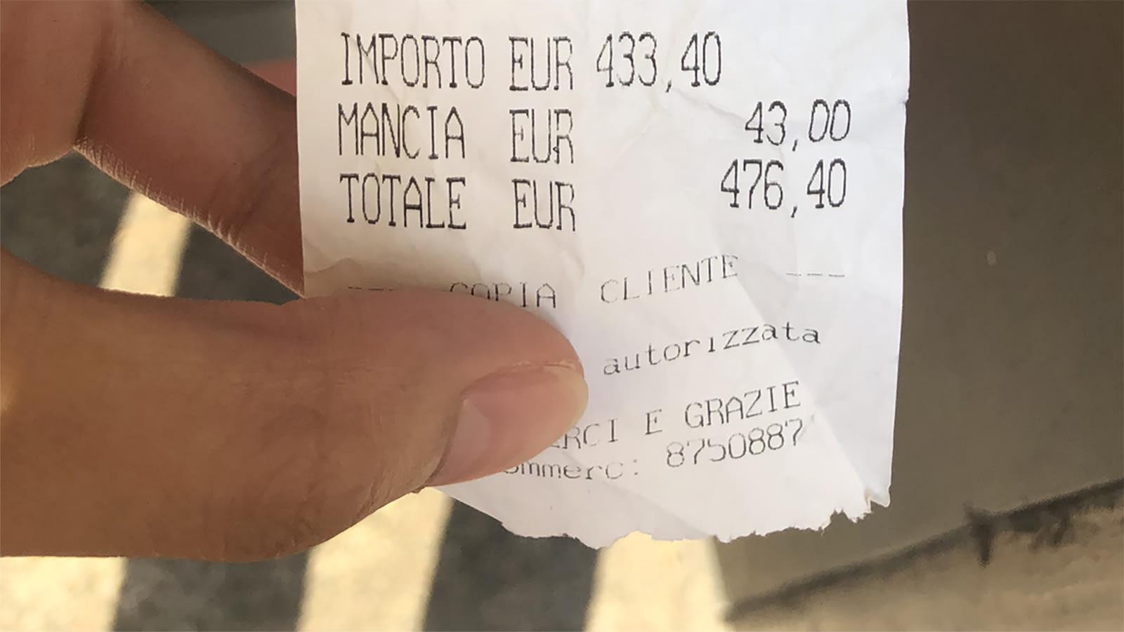 فاتورة حساب بقيمة 500 دولار تثير حفيظة السياح على مطعمٍ في روما