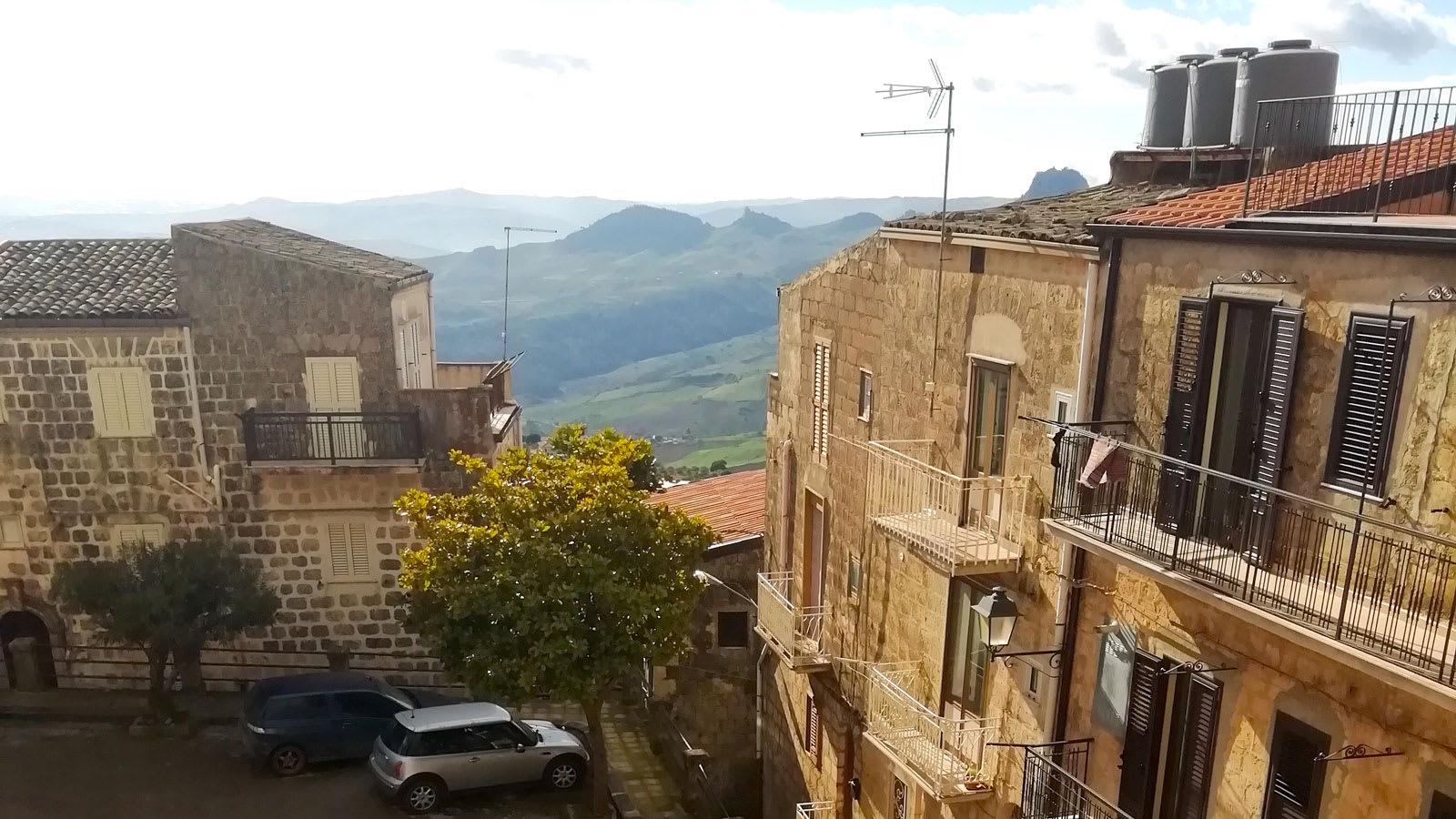 بلدة موسوميلي في إيطاليا