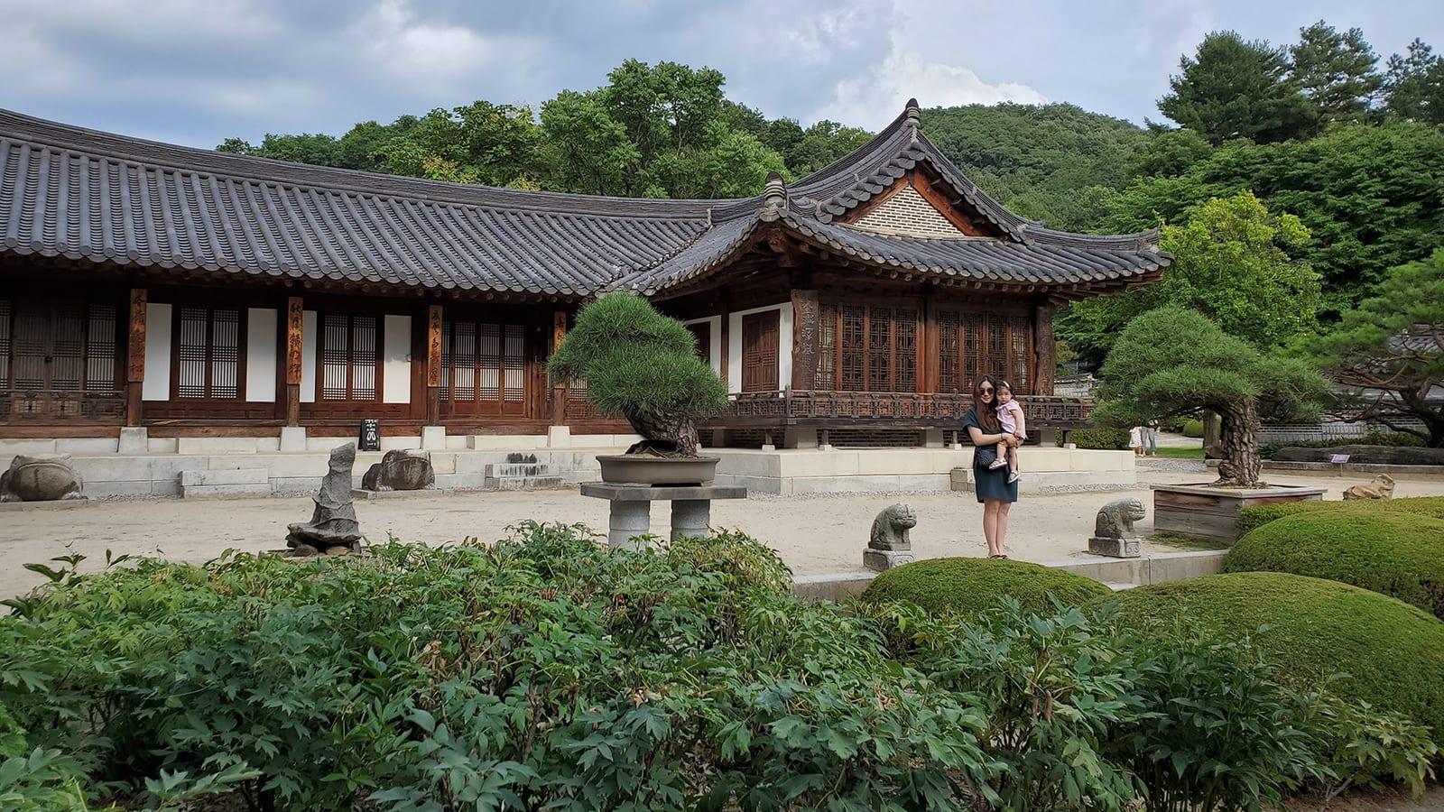 """""""لو كان لدي وجهك""""..نظرة خاطفة على العالم السري في كوريا الجنوبية"""