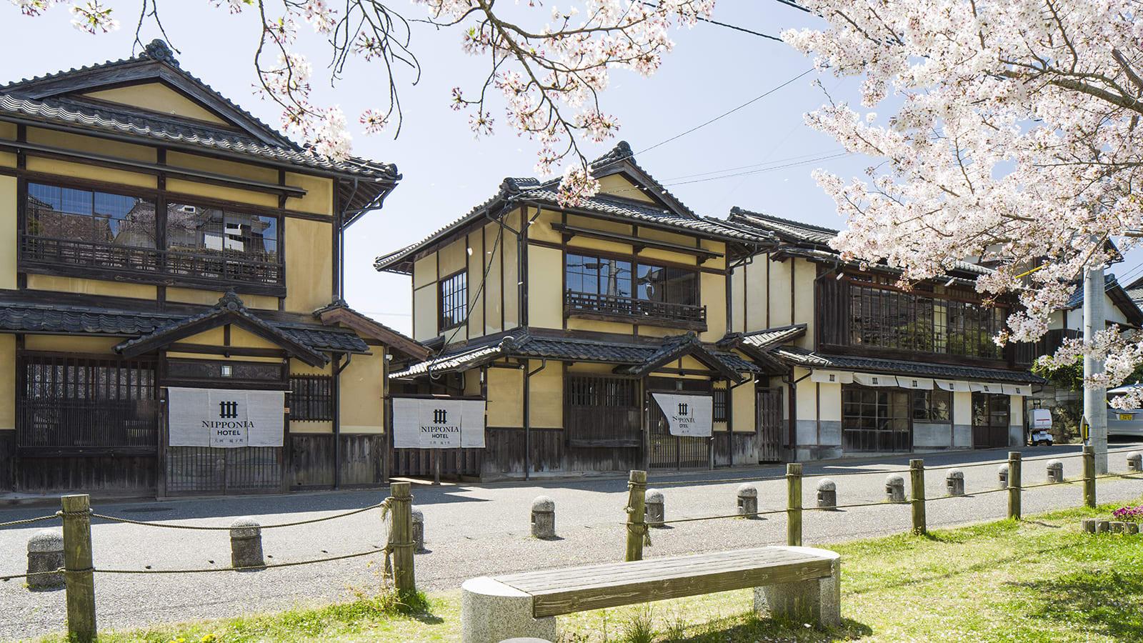عش كأنك من زعماء القرون الوسطى داخل قلعة عمرها 400 عام في اليابان