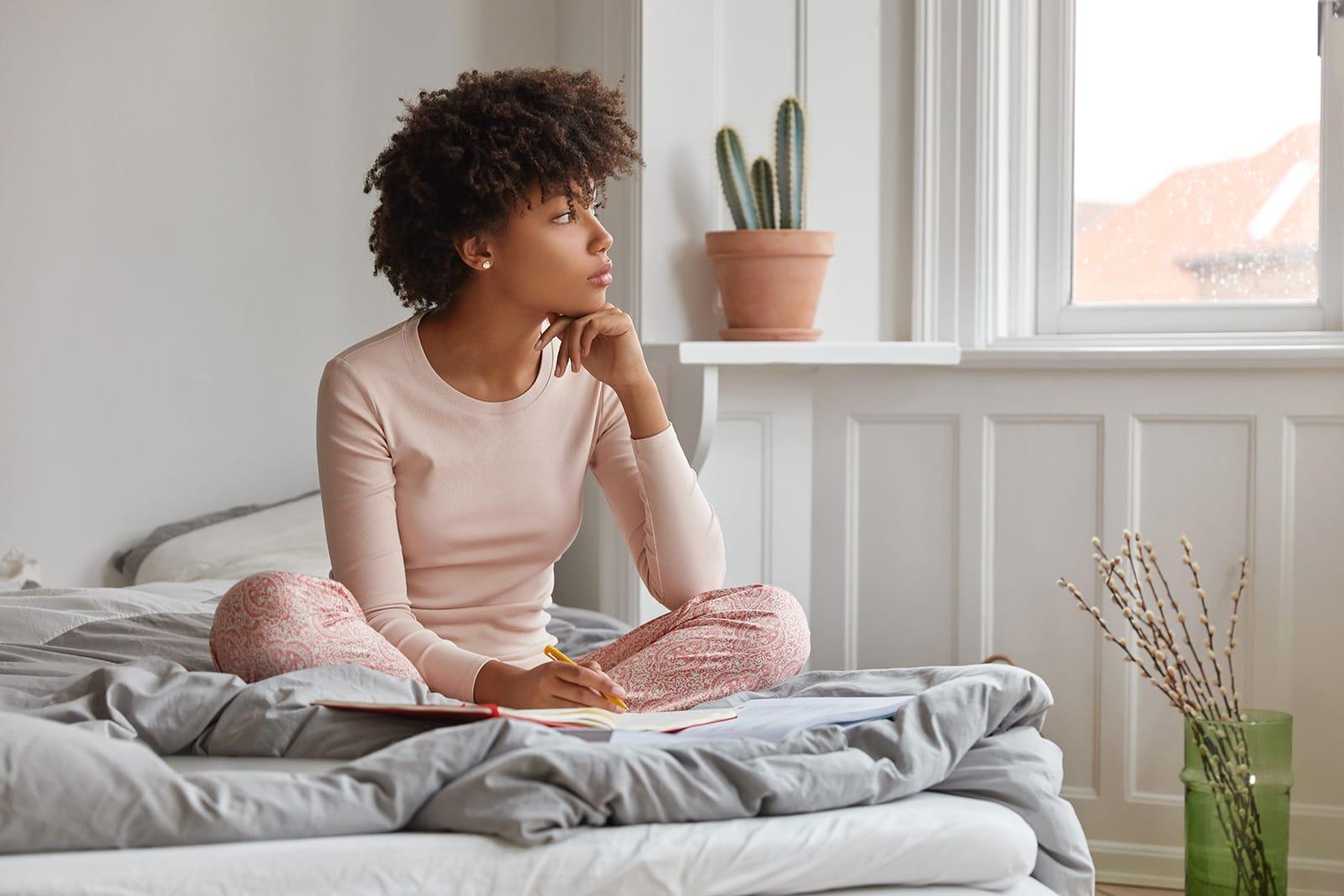 10 طرق للتغلب على الكوابيس والحصول على نوم أفضل