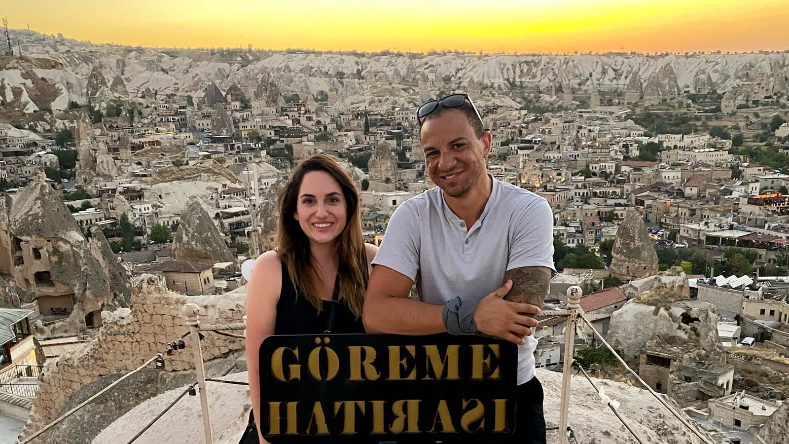 غريبان قررا قضاء إجازة معا في تركيا بعض رفض أي شخص السفر معهما