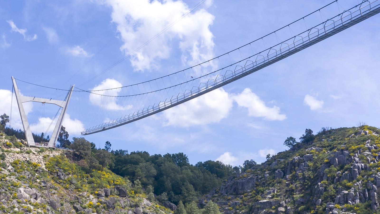 في البرتغال.. افتتاح أطول جسر مشاه معلق في العالم
