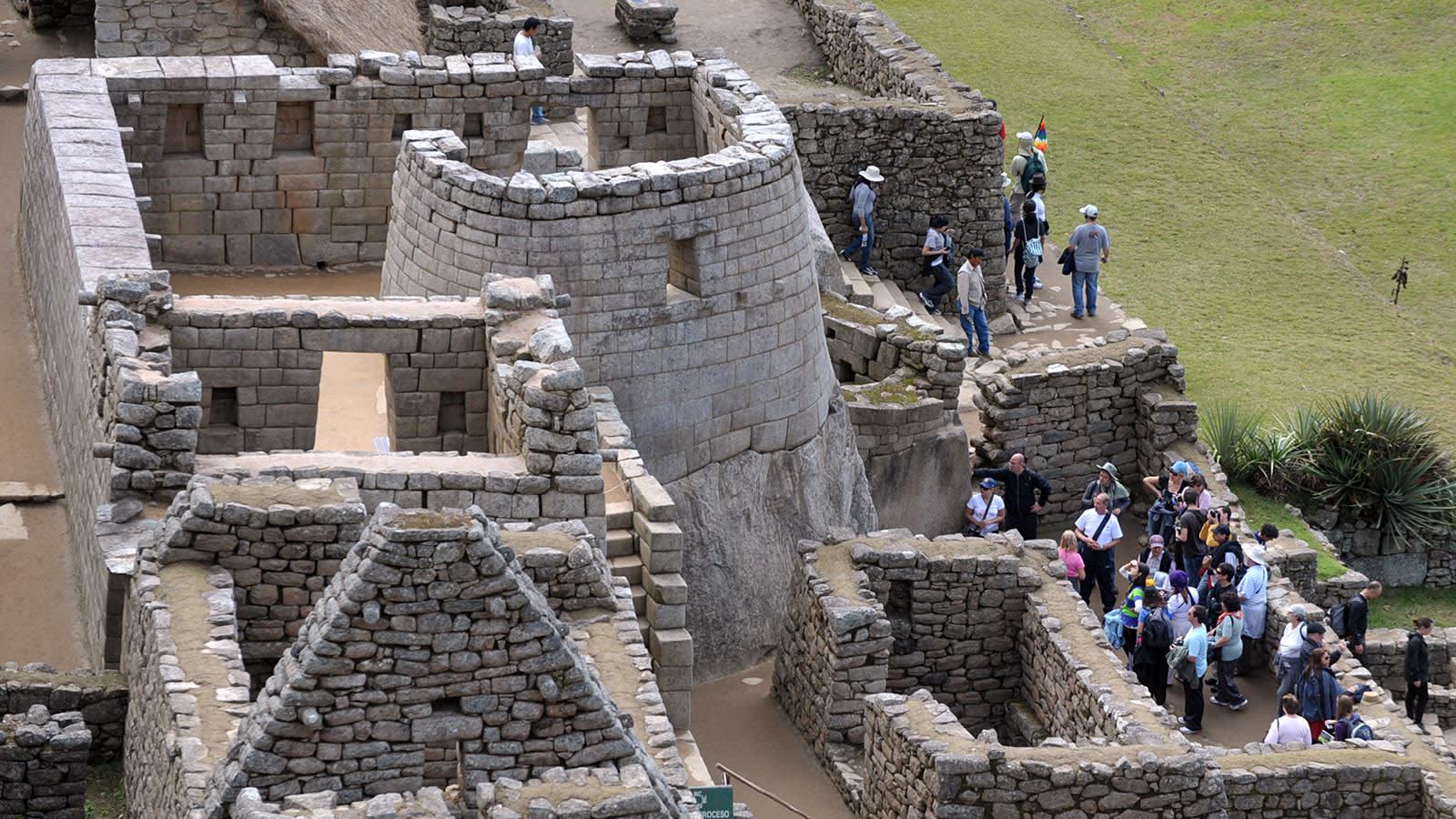 """بعد أن علق في بيرو لـ7 أشهر.. فتح """"ماتشو بيتشو"""" الأثري لسائح واحد"""