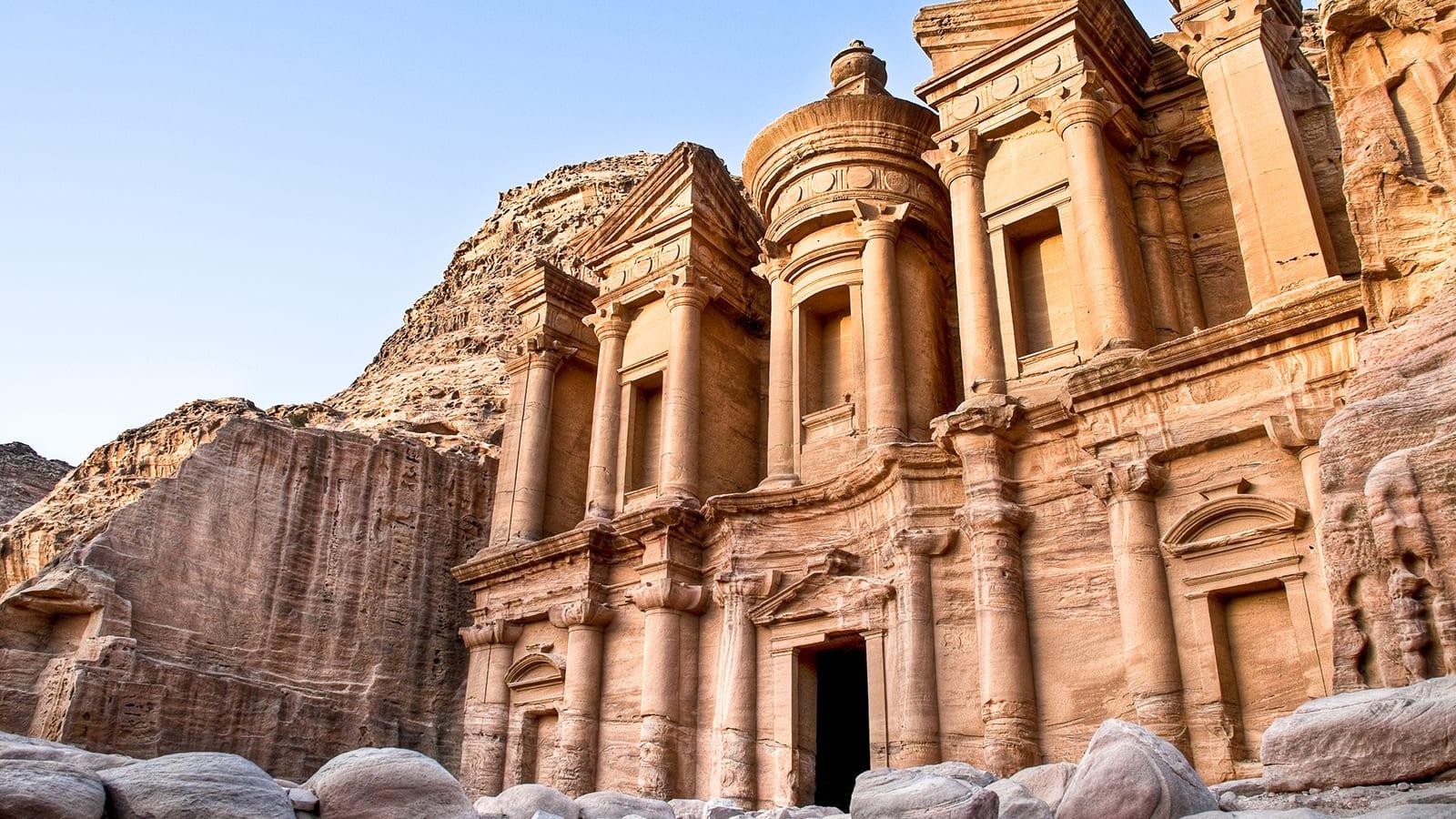 """تتصدرها وجهة عربية.. """"لونلي بلانيت"""" تعلن عن أفضل 10 وجهات سفر في قائمة جديدة"""