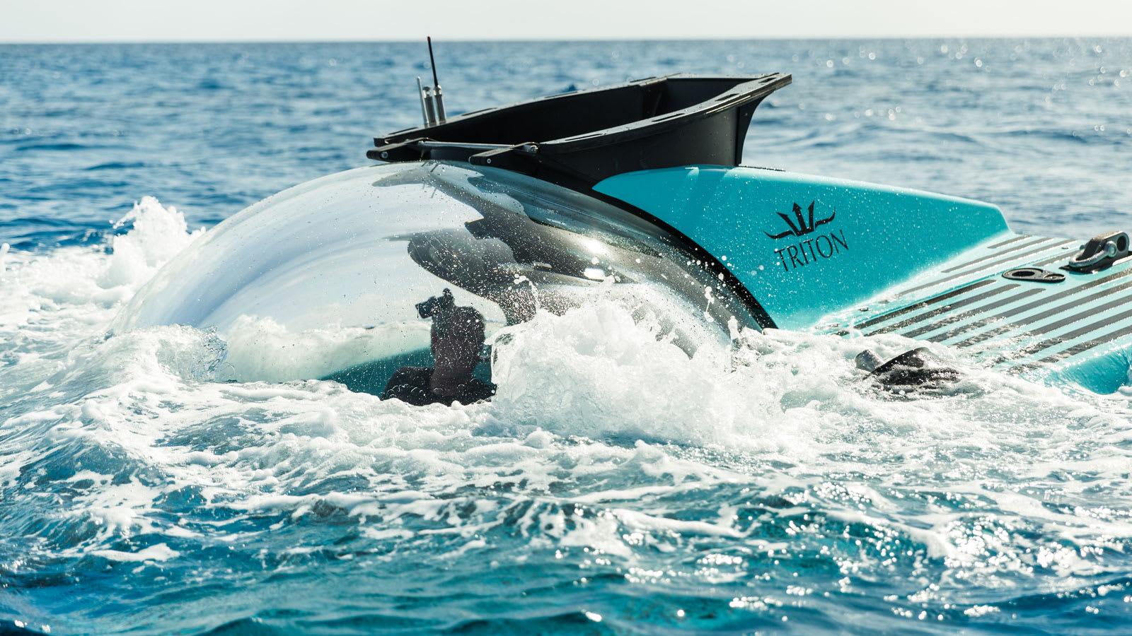 """أشبه بـ""""صالون تحت البحر""""..هذه الغواصة يمكنها النزول لعمق 1000 متر"""
