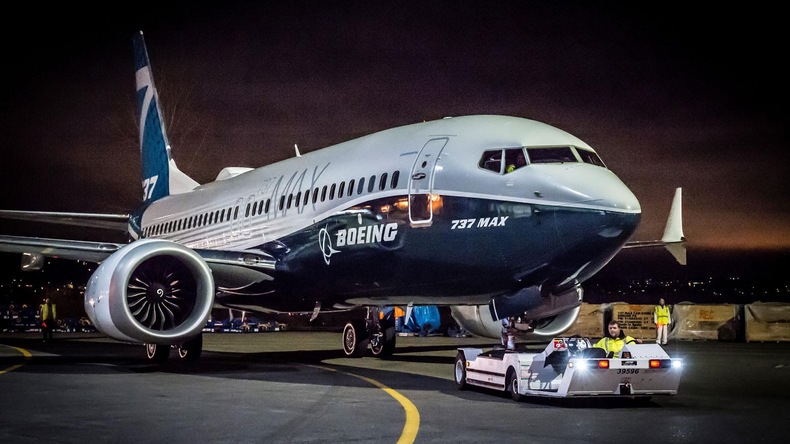 """""""بوينغ 737"""".. كيف أصبحت الطائرة الأكثر نجاحا بالعالم أكثرها اضطرابا؟"""