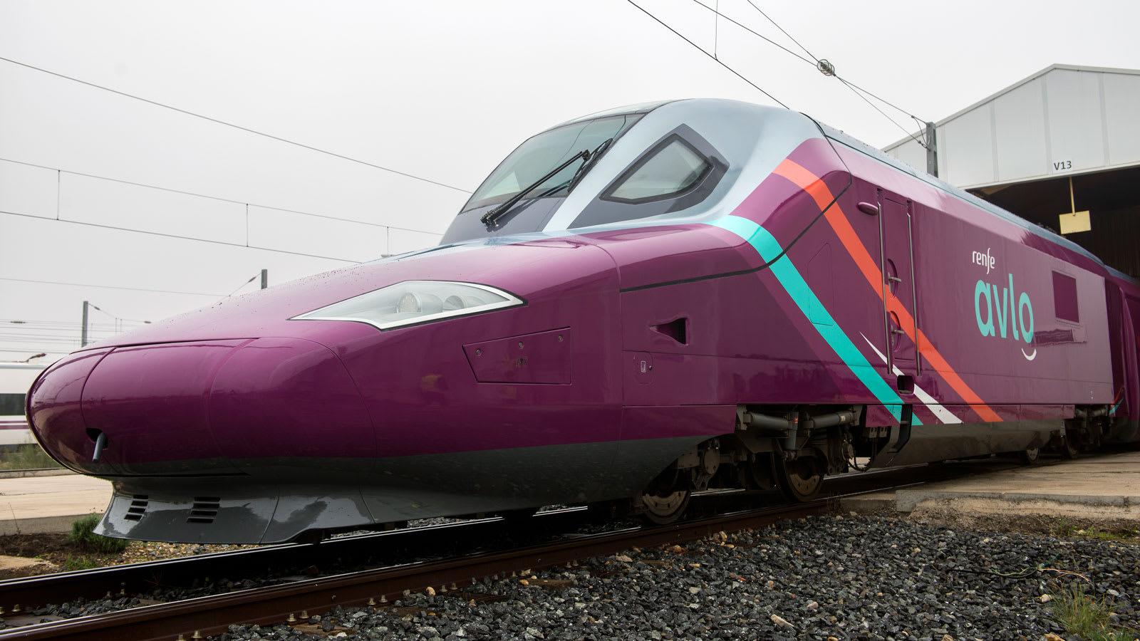 """إسبانيا تطلق قطار """"طلقة"""" منخفض التكلفة بين مدريد وبرشلونة"""