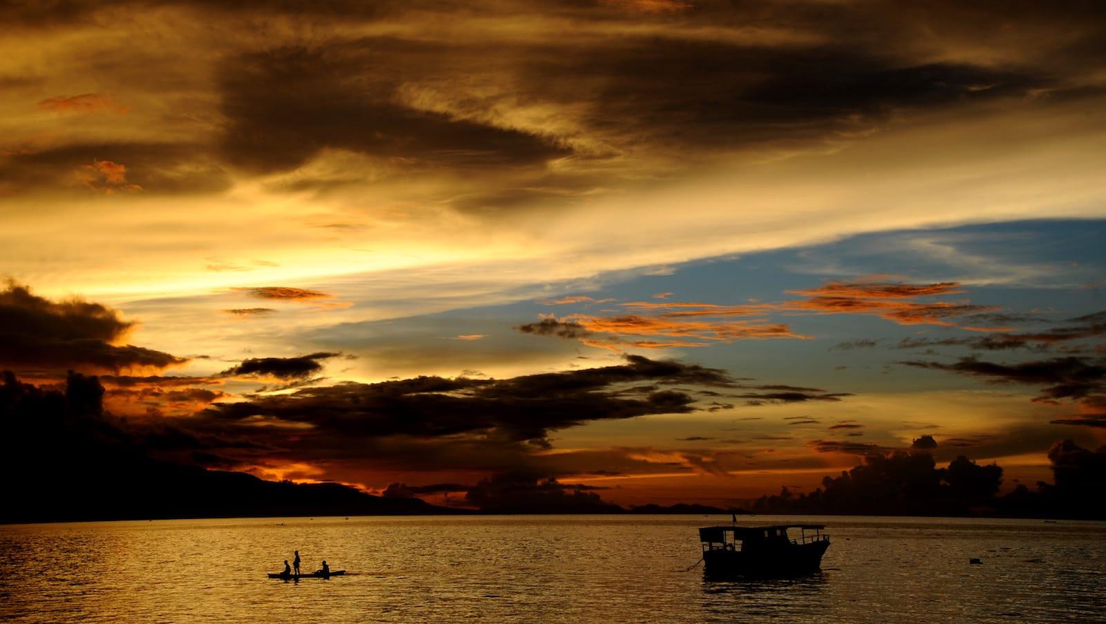 جزيرة فلوريس الإندونيسية