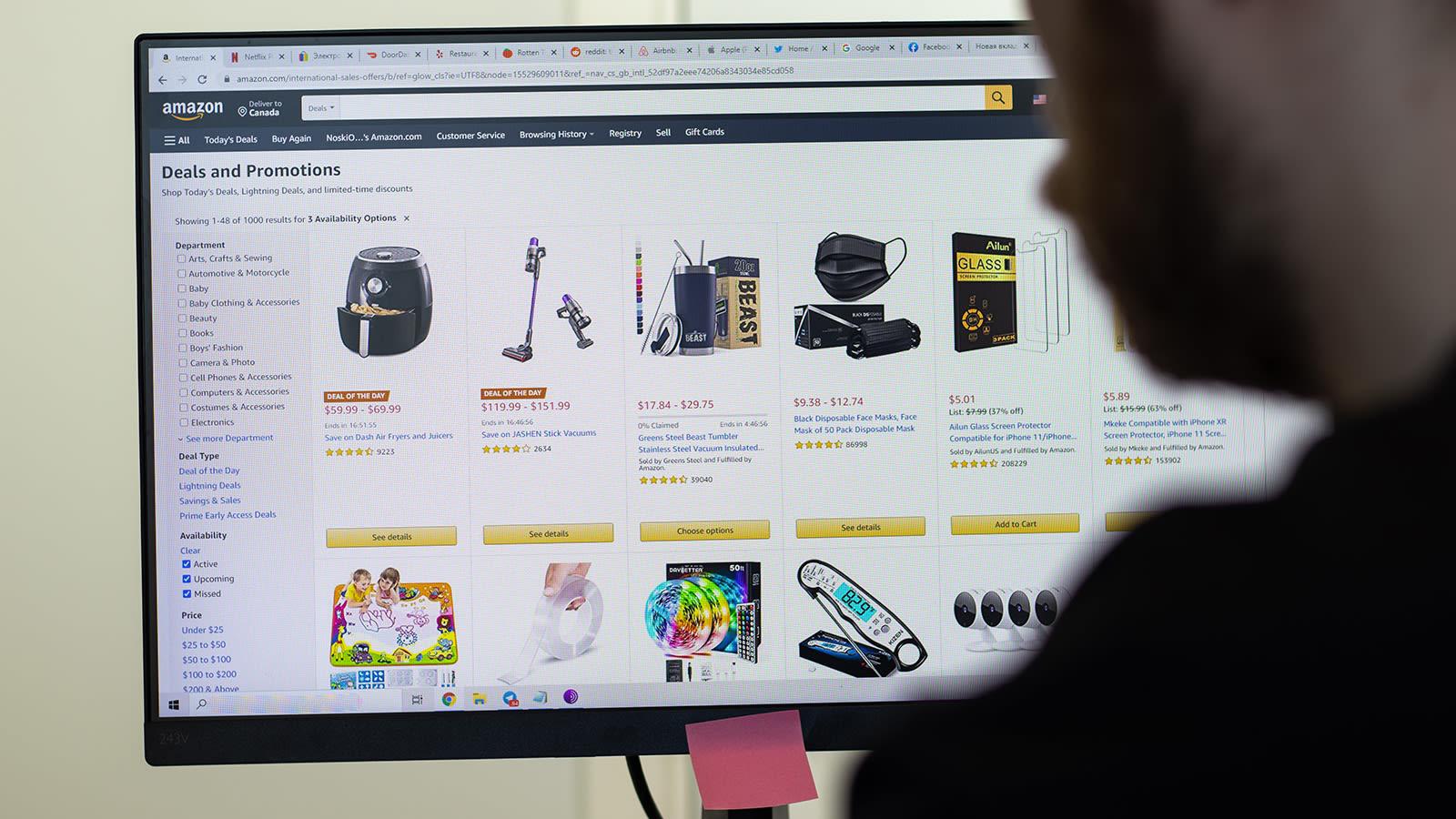 بريطانيا تحقق مع أمازون وغوغل بسبب عدم إزالة مراجعات المنتجات المزيفة