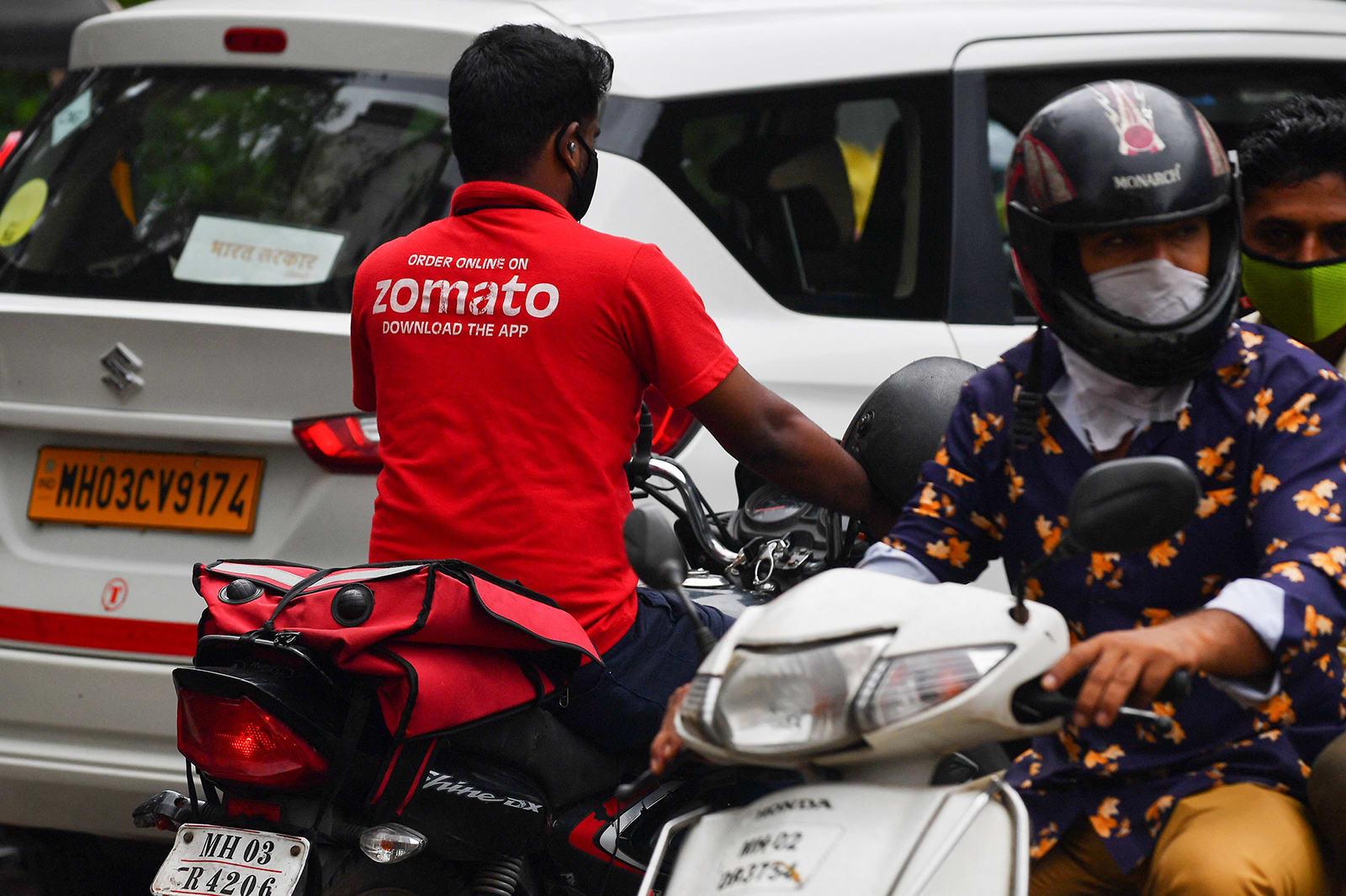 زوماتو تتطلع جمع 1.3 مليار دولار في أكبر طرح عام أولي بالهند هذا العام