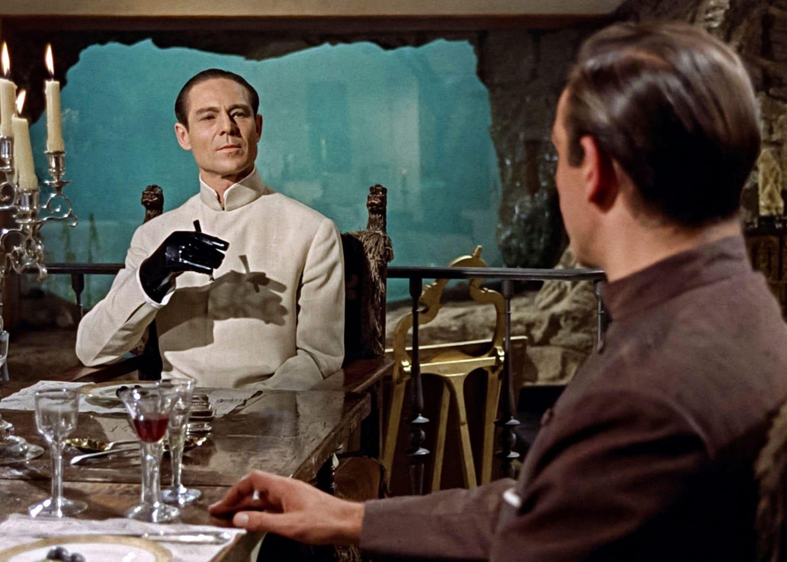 كيف أصبح وكر الشرير جزءًا من صيغة أفلام جيمس بوند؟