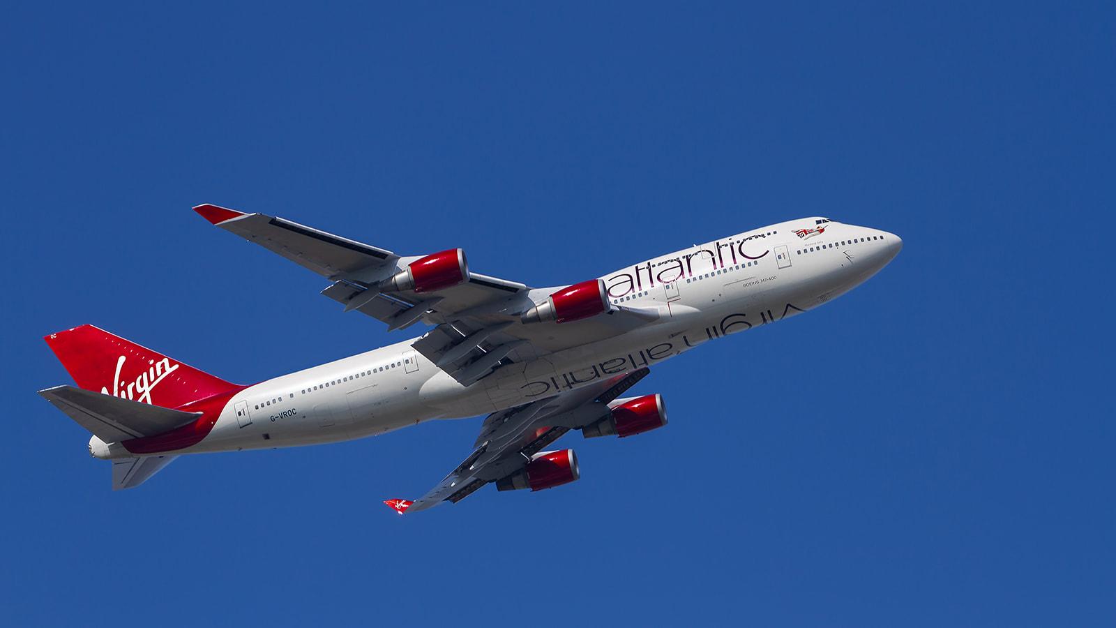 ما هي الإجراءات التي تتخذها شركات الطيران لضمان سلامة المسافرين خلال ذروة السفر الصيفي؟