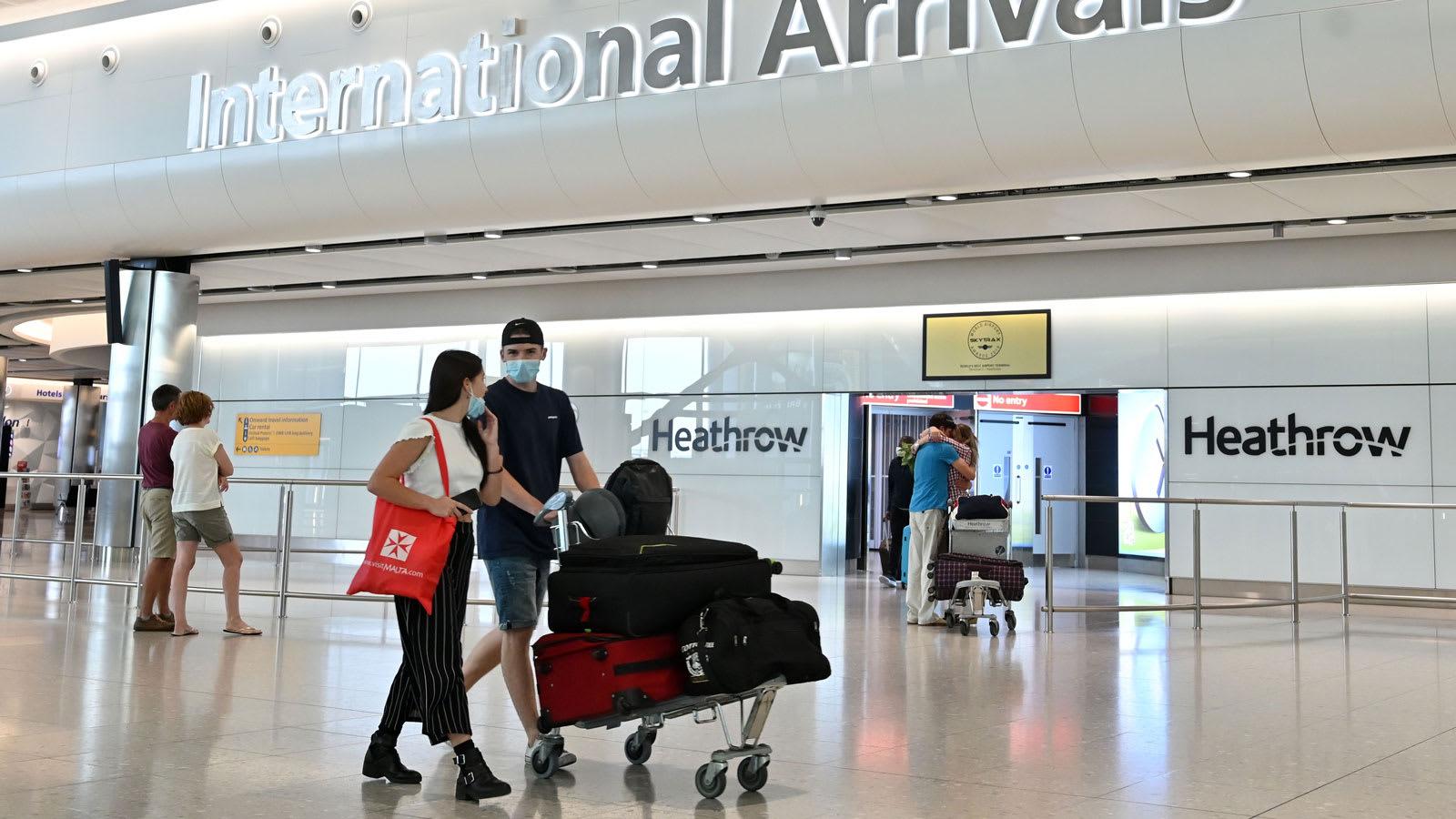 السفر في زمن فيروس كورونا.. مسافرون يشتكون من قيود المملكة المتحدة على السفر من إسبانيا