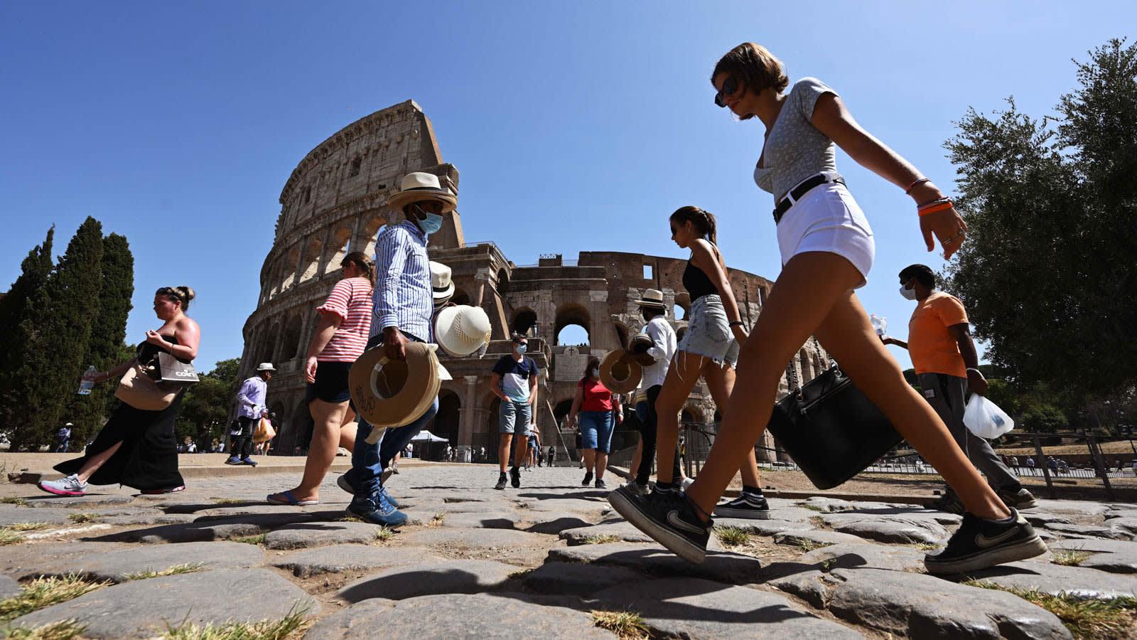 ثنائي يهرب من كاليفورنيا إلى إيطاليا مع ارتفاع حالات كورونا
