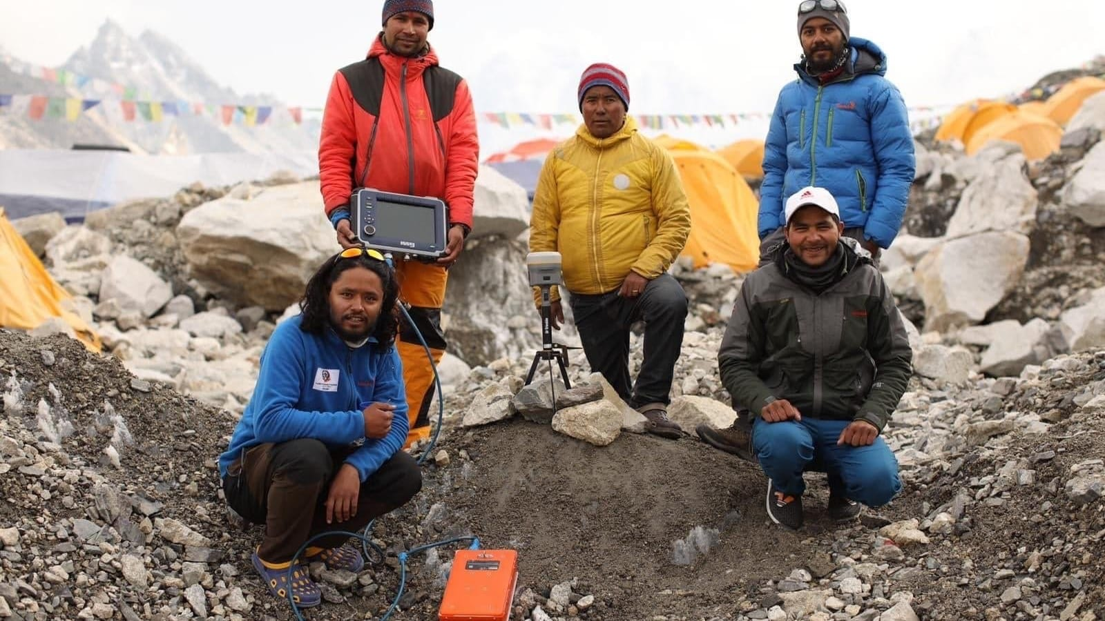 ماذا يحصل حقاً لجسم متسلقي قمة جبل إيفرست؟