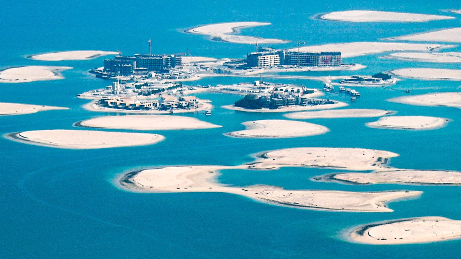 """في قلب دبي.. """"قصور"""" سويدية تعيد تعريف الرفاهية"""