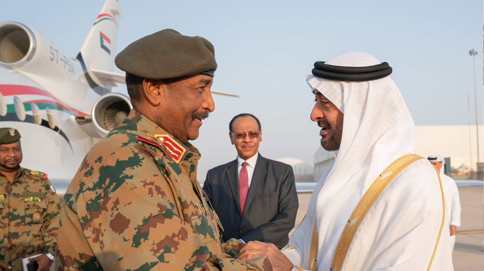 بعد زيارته إلى مصر.. رئيس المجلس العسكري في السودان يصل إلى الإمارات