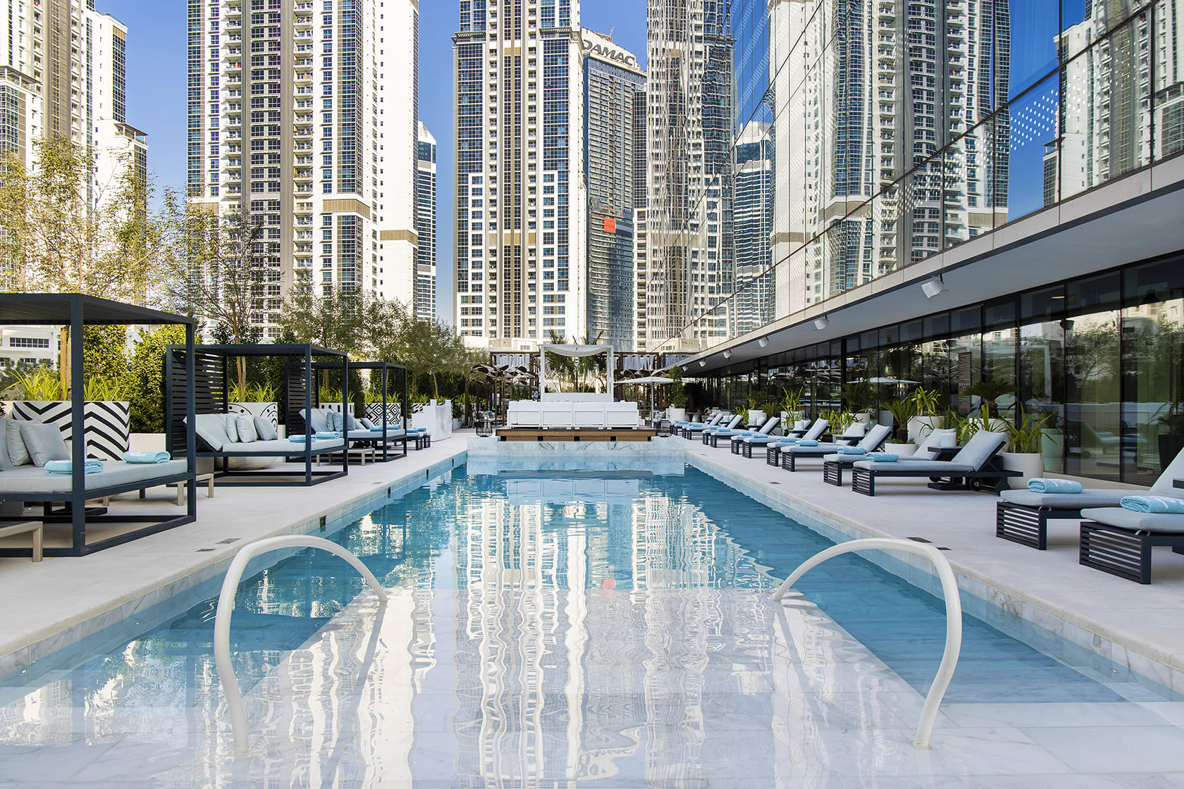فندق في دبي يطلق باقة بقيمة 8.8 ملايين درهم للاحتفال بليلة رأس السنة