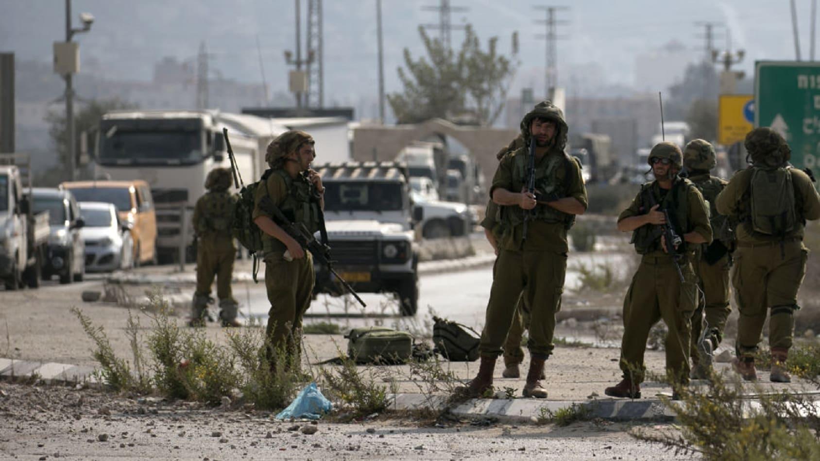 غارات إسرائيلية على غزة رداً على وابل من الصواريخ