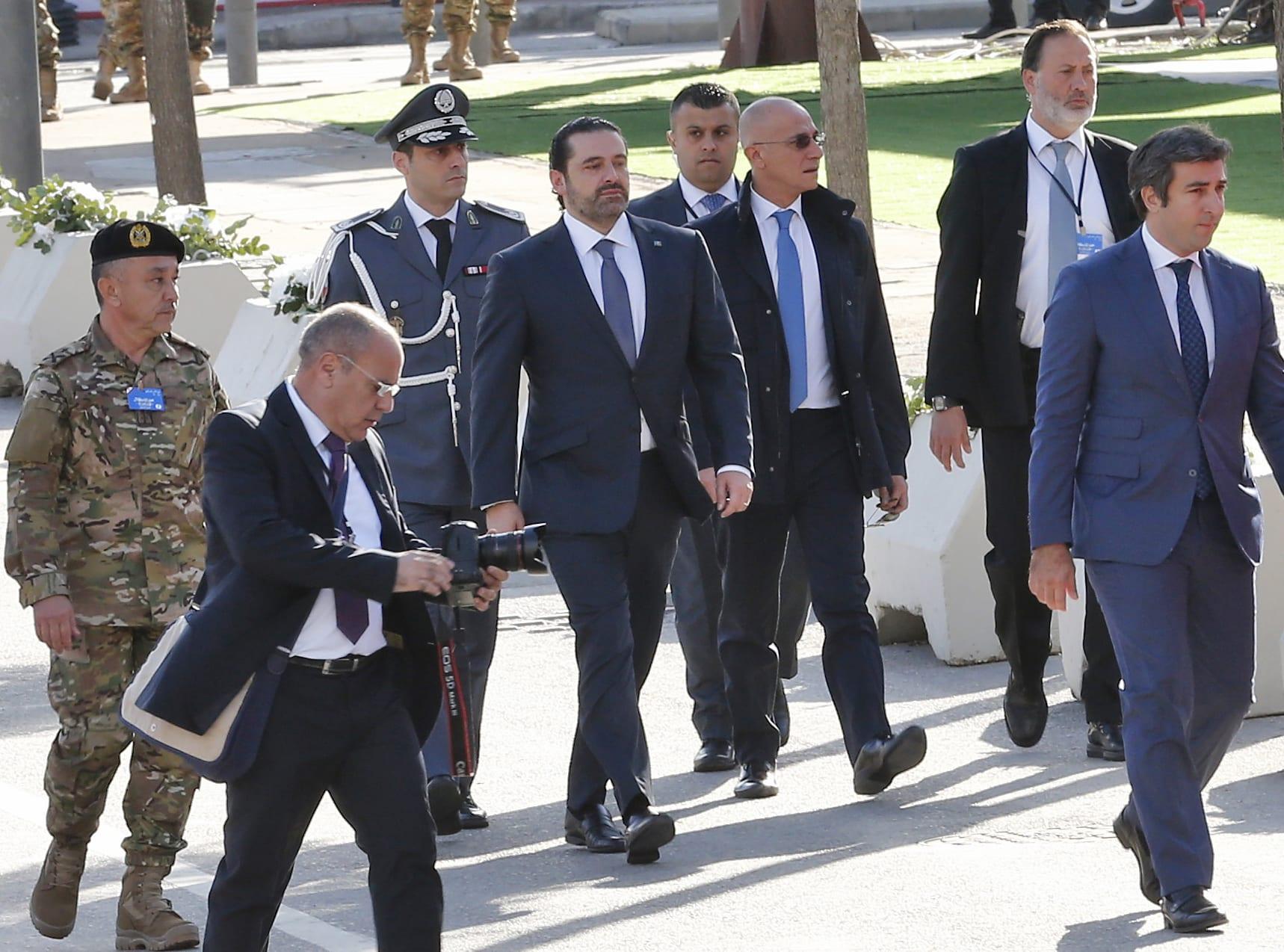 """الحريري من بيروت.. """"يتريث"""" في استقالته بطلب من عون"""