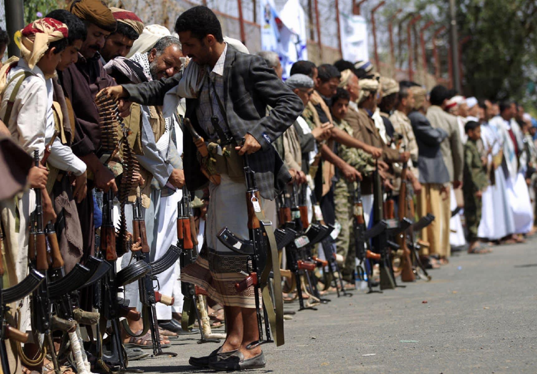 """خالد بن سلمان يتحدث عن ظريف وسلامي: """"الكذب"""" نهج الحوثي"""
