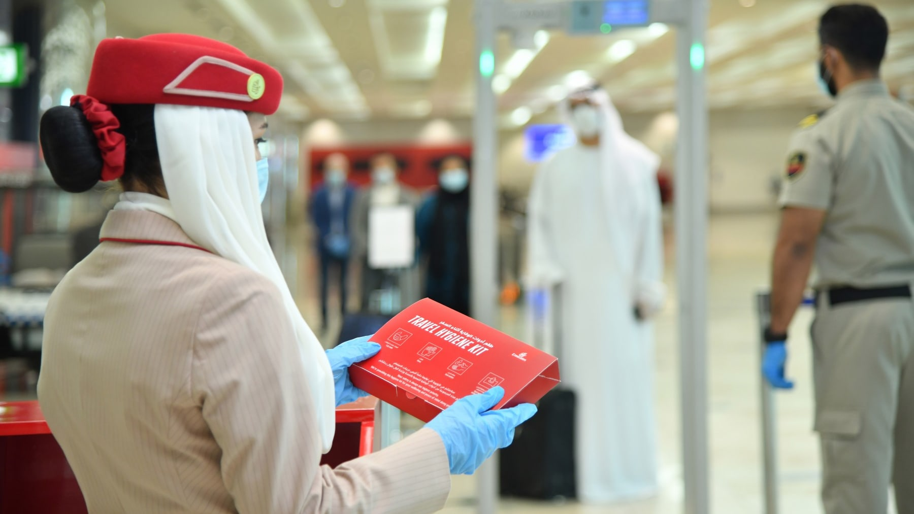 """شاهد..على متن رحلة طيران الإمارات بـ""""نوافذ افتراضية"""""""
