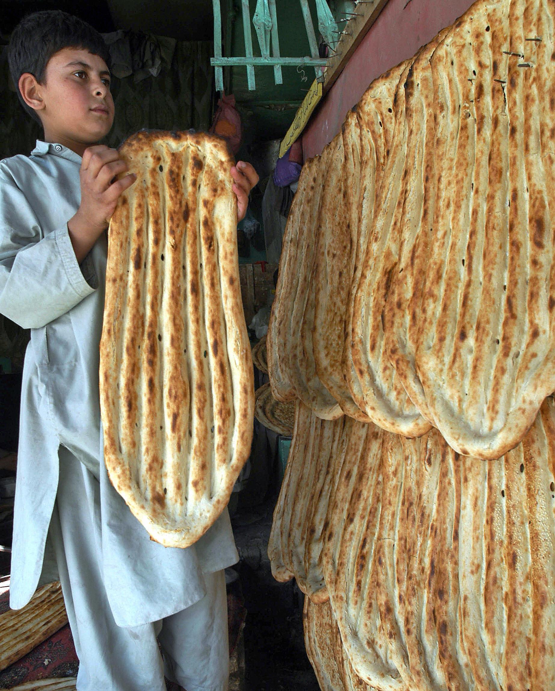 خبز معلق في باكستان