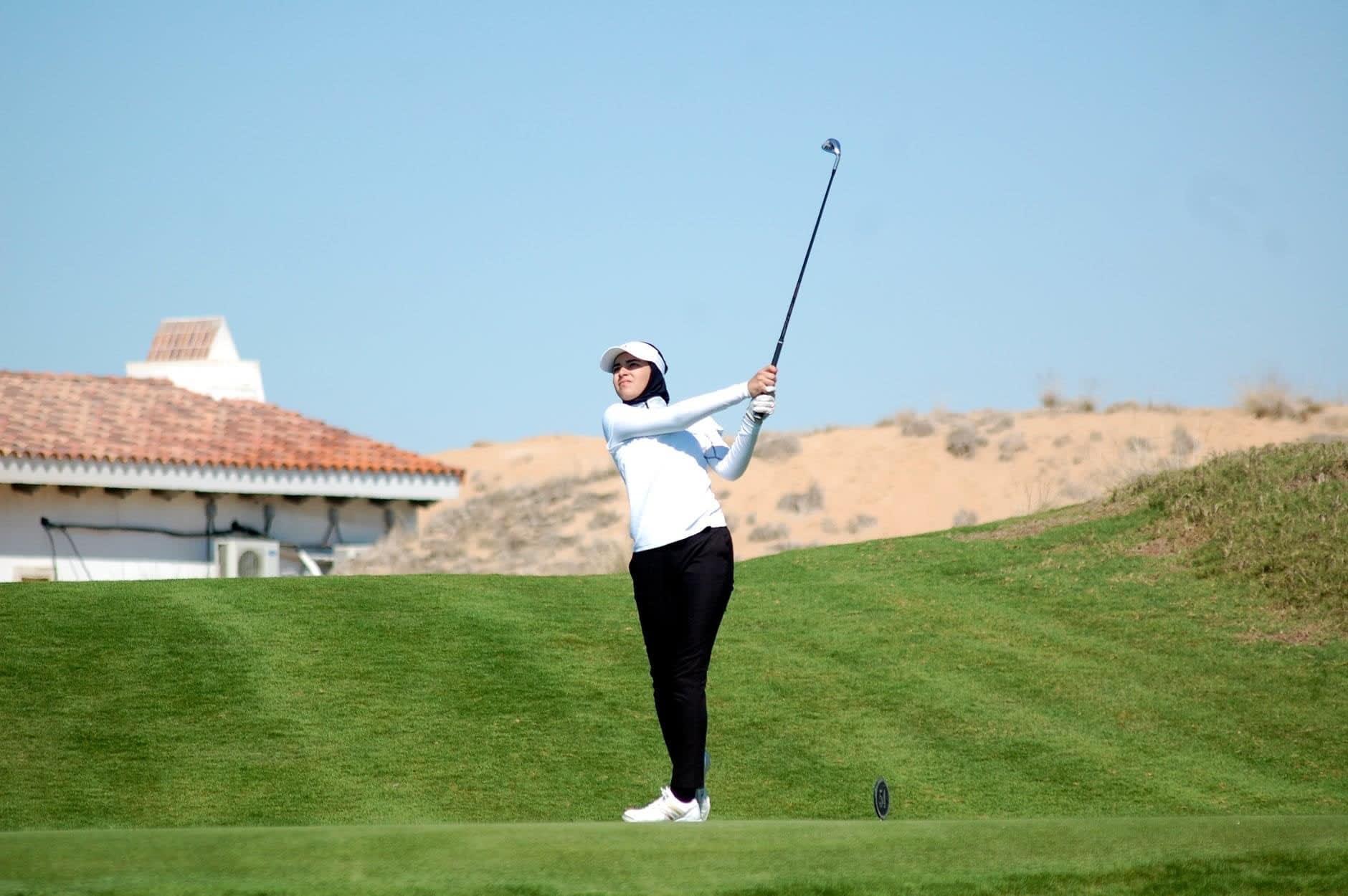 إنجازات مبهرة رغم صغر سنها.. تعرف على لاعبة الغولف الإماراتية الواعدة ريما الحلو