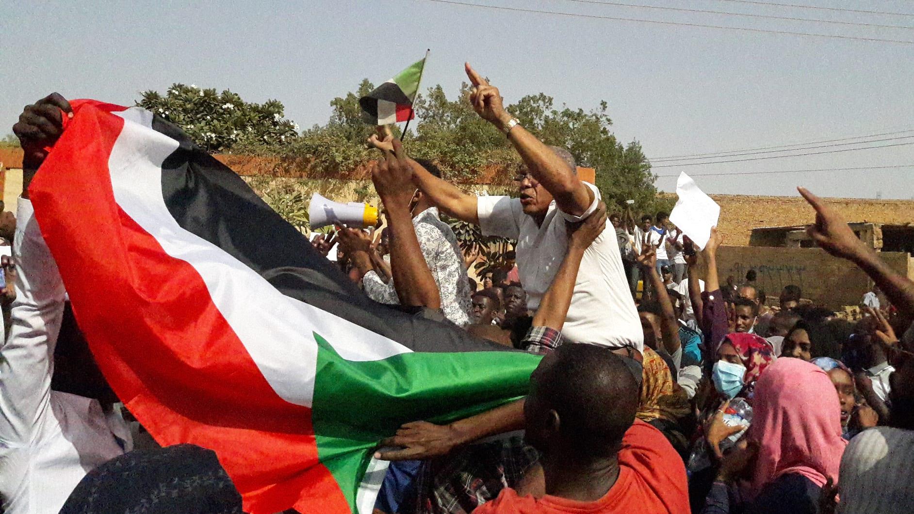 جنازة محتج سوداني تتحول لمظاهرة ضد نظام البشير