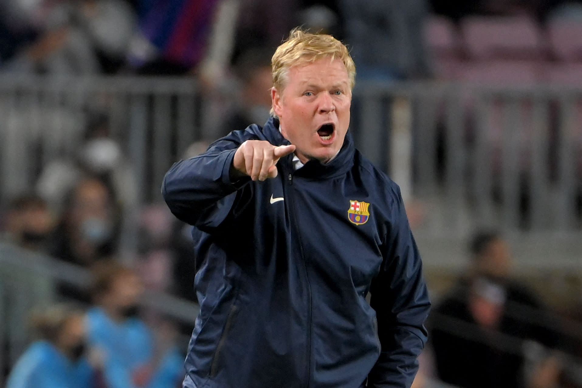 بعد تقارير عن قرب إقالته.. كومان يدافع عن نفسه ويتحدث عن وضع برشلونة