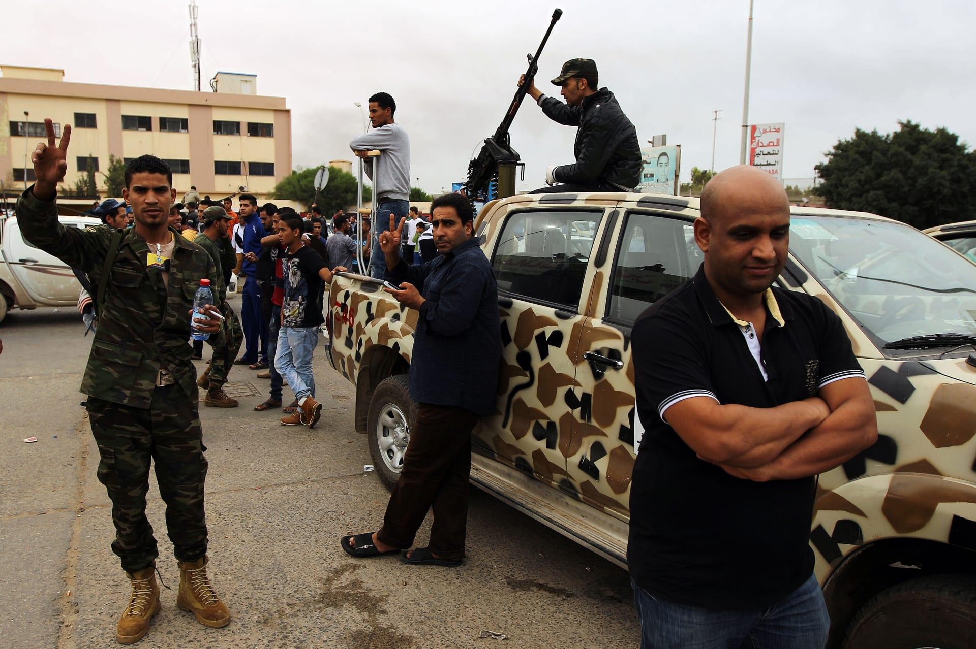 ليبيا: 3 قتلى باشتباكات بطرابلس واستنفار بالزاوية