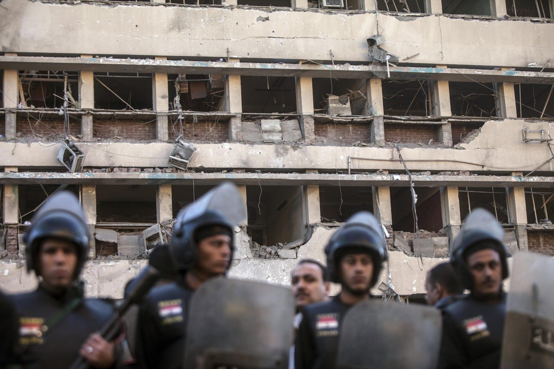 """صحف: مشهد مصري محبط وصحافيون سوريون يهربون من """"داعش"""""""