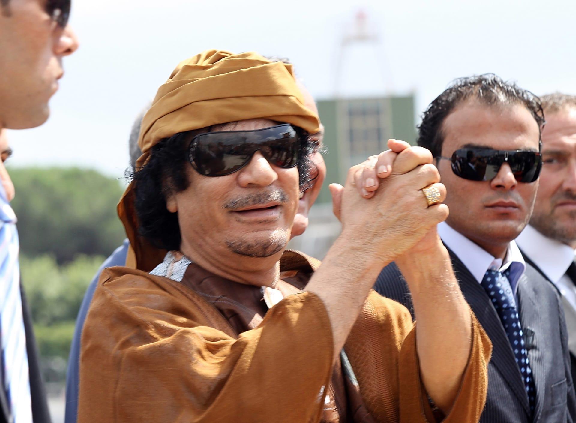 صحف العالم: غرف سرية استعبد فيها القذافي فتيات جنسيا
