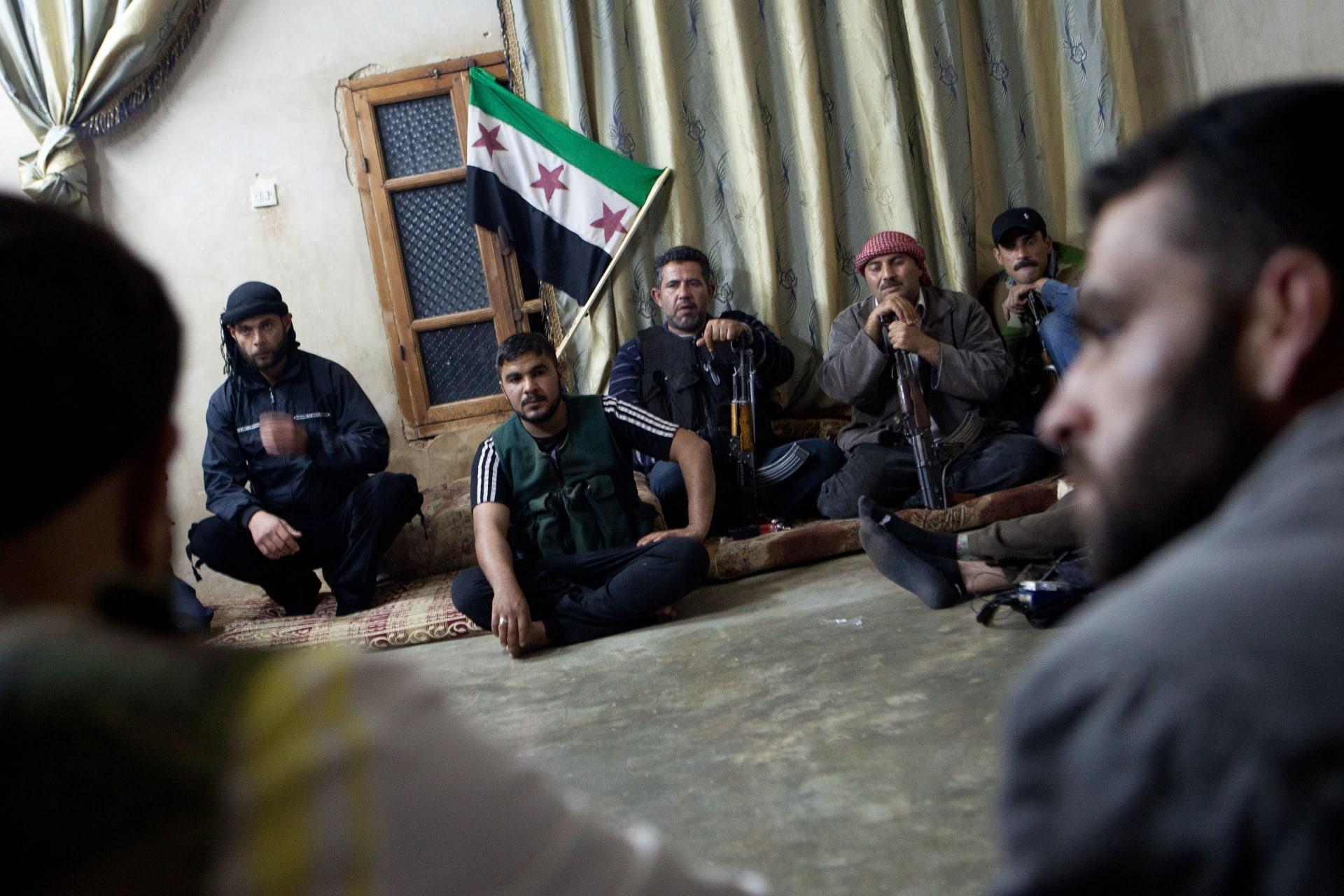 صحف العالم: قرار أمريكي سري بتسليح المقاتلين المعتدلين بسوريا