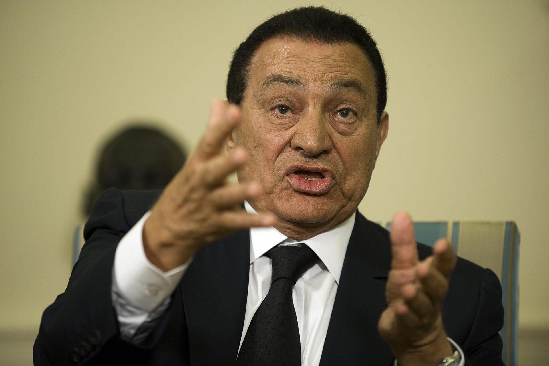 صحف: ظهور مبارك مجددا والقاعدة في لبنان بعد سوريا