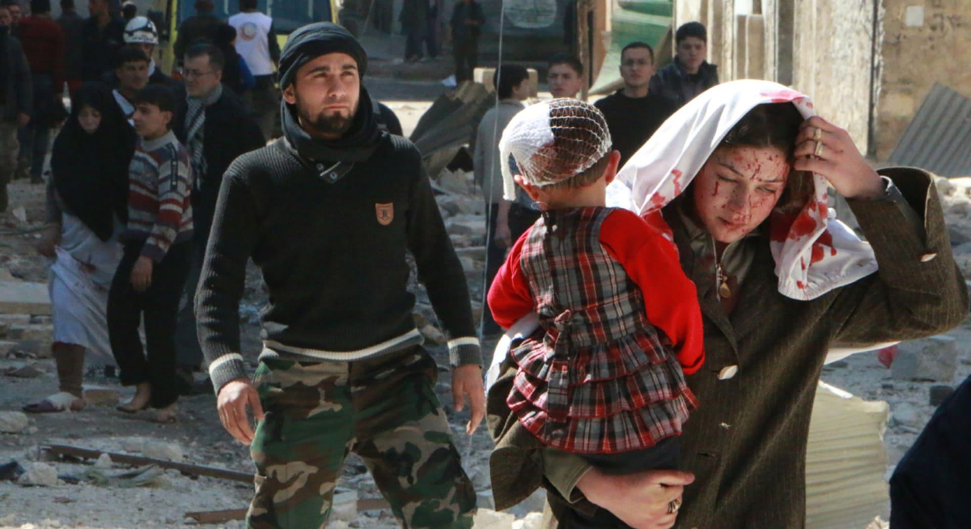 المعارضة تحاول الوصول إلى البحر بمعاقل الأسد ودمشق تهاجم تركيا