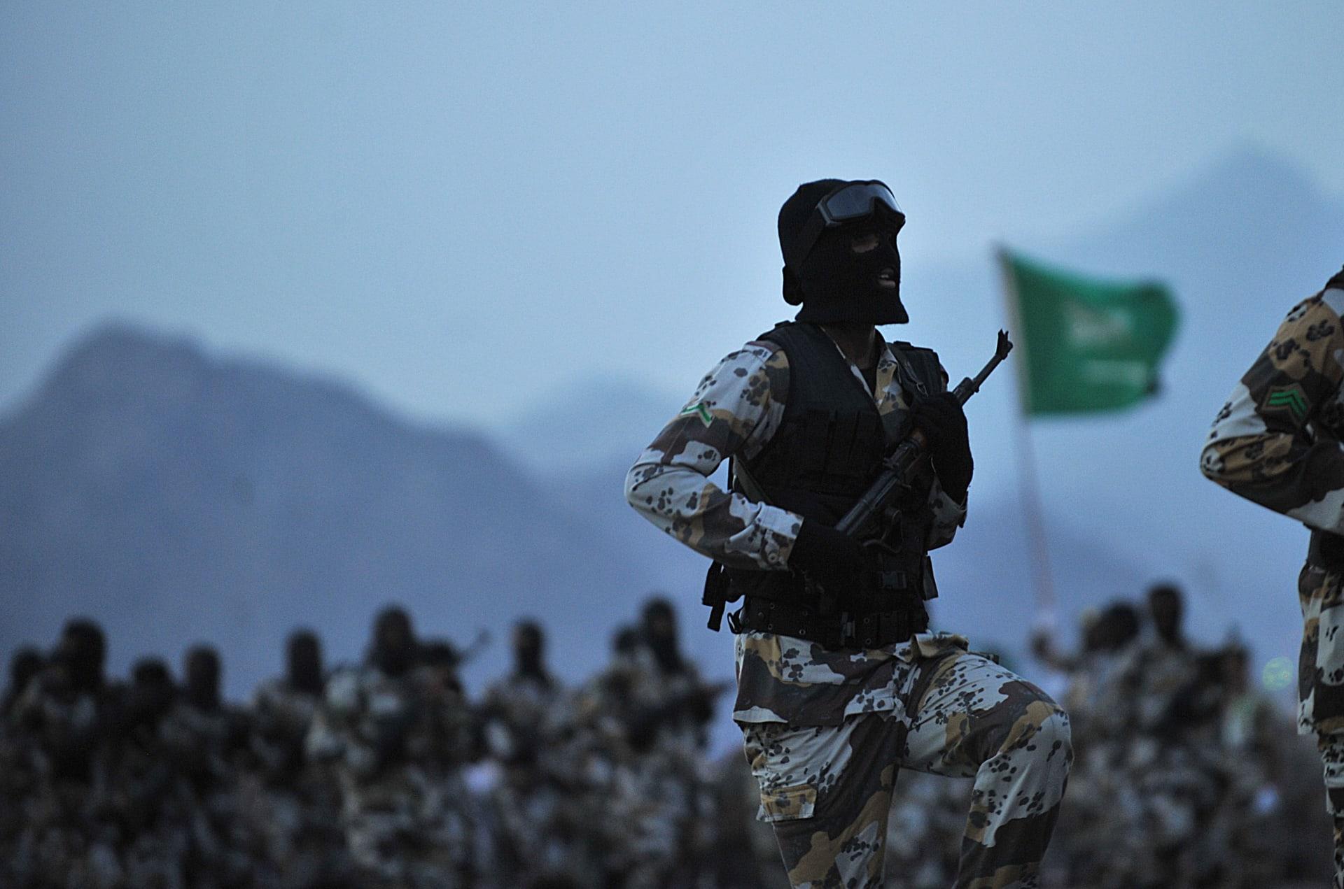 مسؤولة بمنظمة حقوقية تعلّق على أنباء تدريب السعودية للمعارضة السورية: من أعدم عددا أكبر من الناس داعش أم الرياض؟